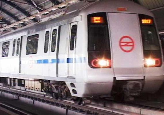 delhi metro records highest ridership of over 24l commuters