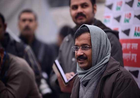 delhi government asks derc to cancel licences of discoms