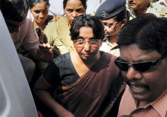 jolt to bjp maya kodnani babu bajrangi among 32 convicted