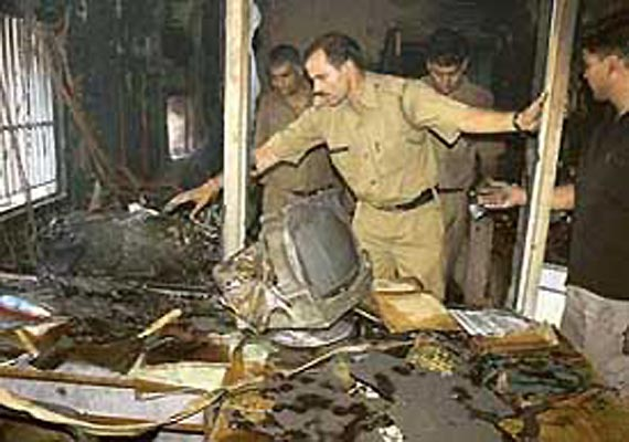 fire breaks out at state bank of patiala head office