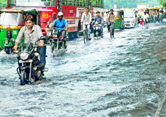 heavy rains lash saurashtra