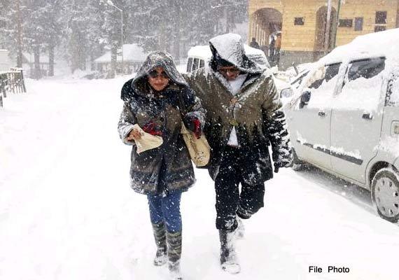 Kashmir valley freezes under 'Chillai Kalan'