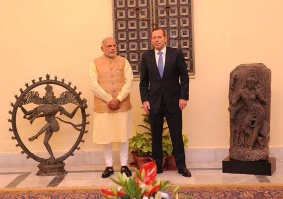 australian pm returns 11th century stolen idols to narendra