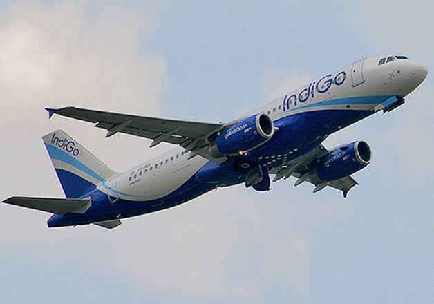woman in short dress barred from boarding indigo flight
