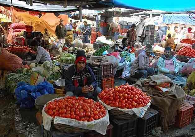 delhi vegetable prices rise again unseasonal rain and