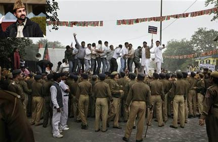 bjp activists attack mirwaiz in delhi