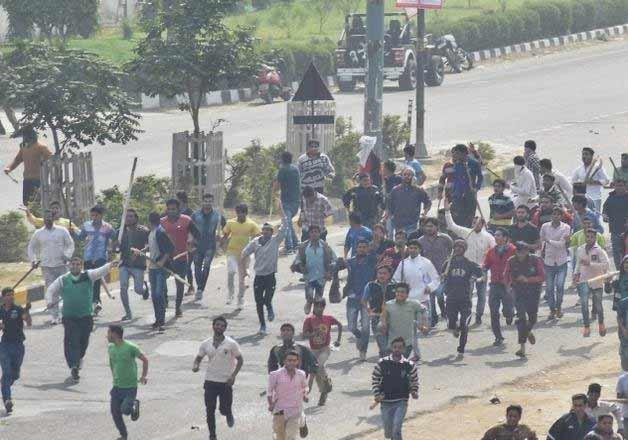 jat stir haryana govt asks insurance cos to settle claims