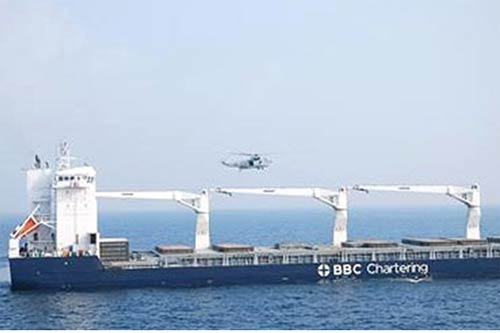 indian navy beats off somalian pirates off mumbai coast