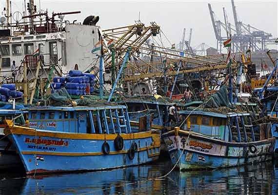 42 indian fishermen held by pakistan maritime security
