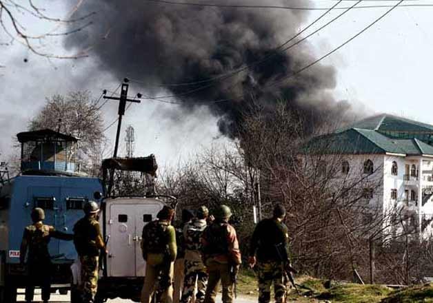 pampore attack gunbattle ends three militants killed says