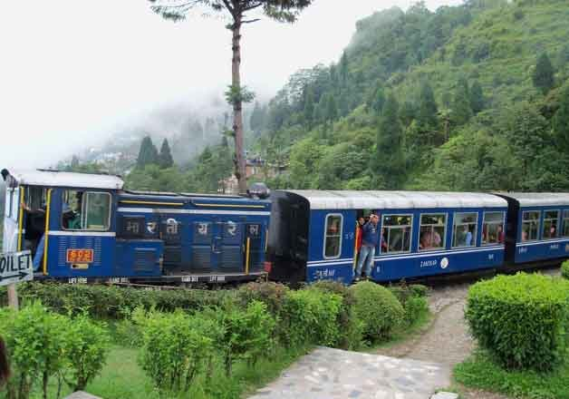 Darjeeling Himalayan Railway hikes toy train ticket price - IndiaTV