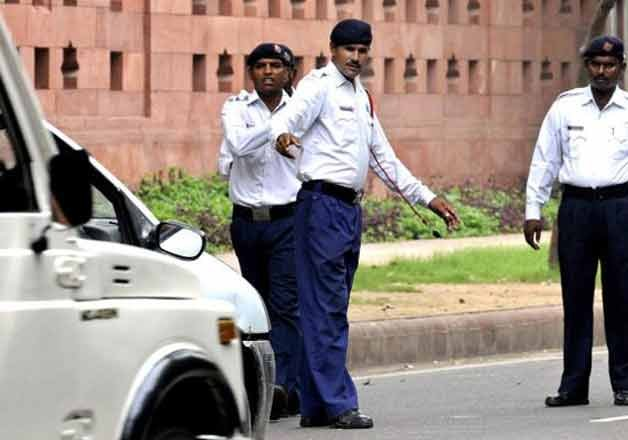 around 100 vehicles impounded in delhi after ngt ban on old
