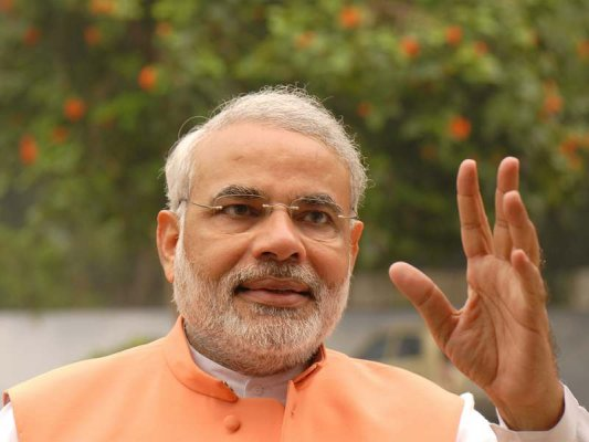 pm congratulates tv channels for showing dirt on streets