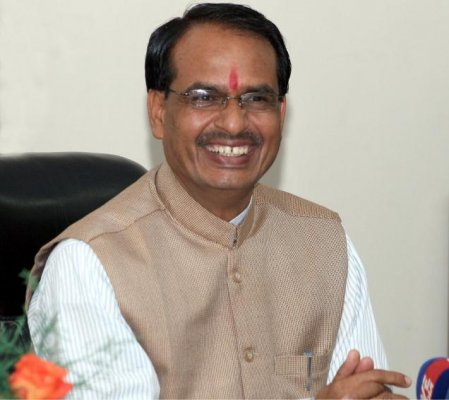 chouhan lays foundation stone of mantralaya annexe in mp