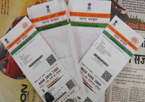 centre terms linking mobile numbers to aadhaar an incentive