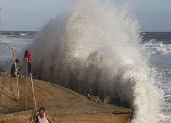 cyclone nilofar severe storm to hit gujarat coast by