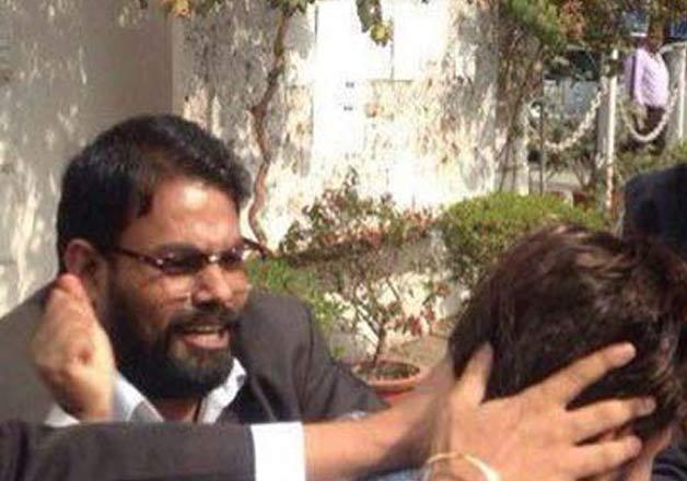 lawyer yashpal singh arrested for attacking journos