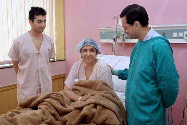 indian doctors give new lease of life to pak woman on eid
