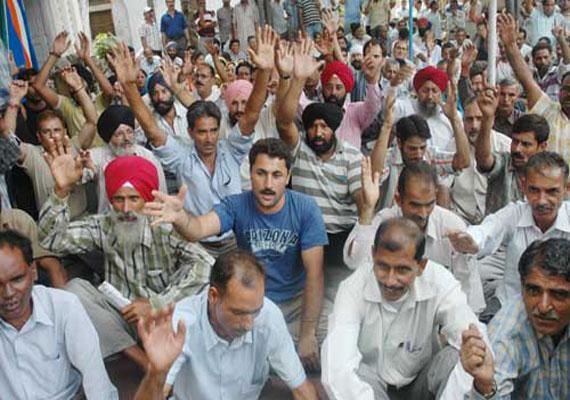 jammu and kashmir employees on three day strike