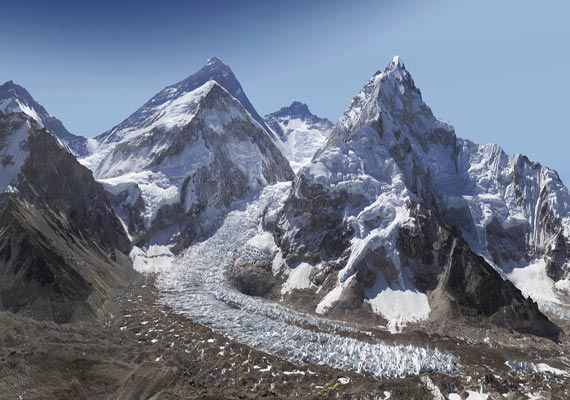 nine more climbers from north east scale mt everest