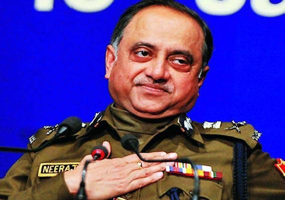 outgoing delhi police chief bids an emotional farewell