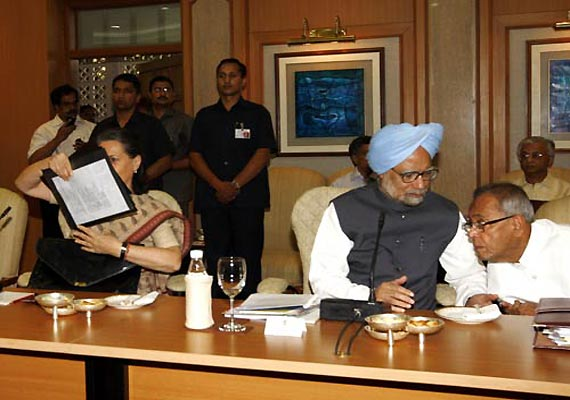 pm calls all party meeting on friday over lokpal bill