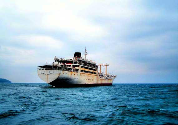 port blair tourist ship sinks 22 dead 18 rescued