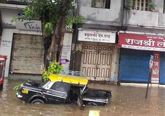 rain chokes mumbai after 2 days of incessant downpour