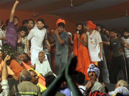 sc attacks state police for crackdown on ramdev followers