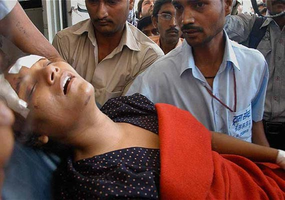real life heroine arunima sinha thrown from a running train