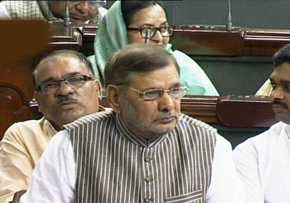 sharad yadav moves censure motion against team anna in ls