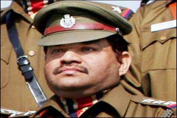 slain cop s kin satisfied with batla house verdict