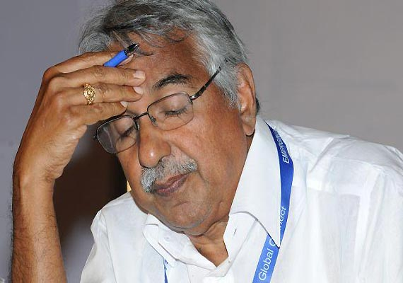 solar scam kerala hc slams probe chandy rules out