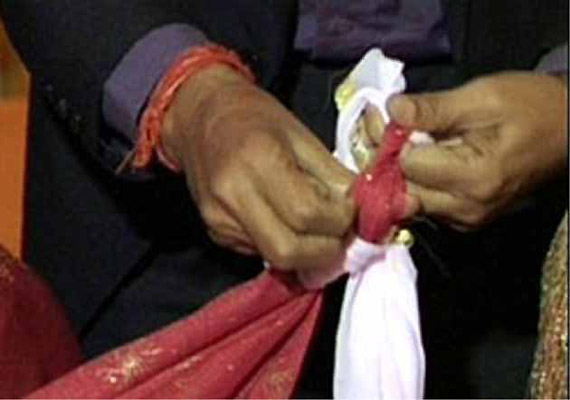 two girls elope marry each other in bihar