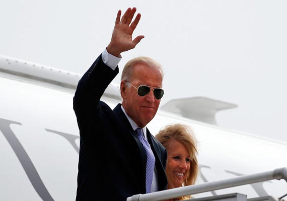 us vice president joe biden arrives in mumbai