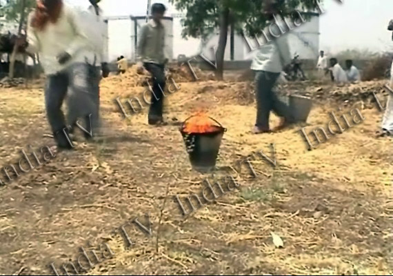 villagers in ahmednagar find petrol mixed water from well
