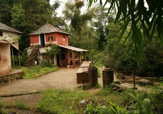 Wanna witness beautiful art? Visit Andretta in Himachal's Kangra ...