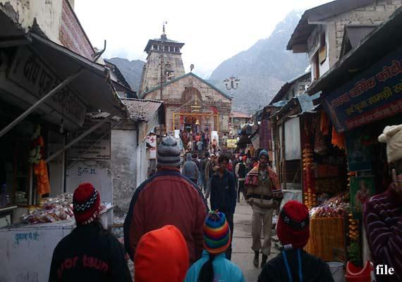 weather clears in uttarakhand pilgrims leave for char dham