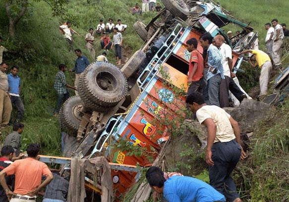 34 killed as truck falls in gorge in hp