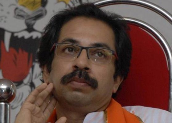 shiv sena praises narendra devendra combine but warns bjp