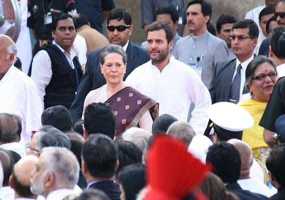 posters flaying sonia rahul appear in coimbatore