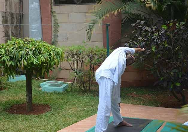 arvind kejriwal responding well to naturopathy treatment at