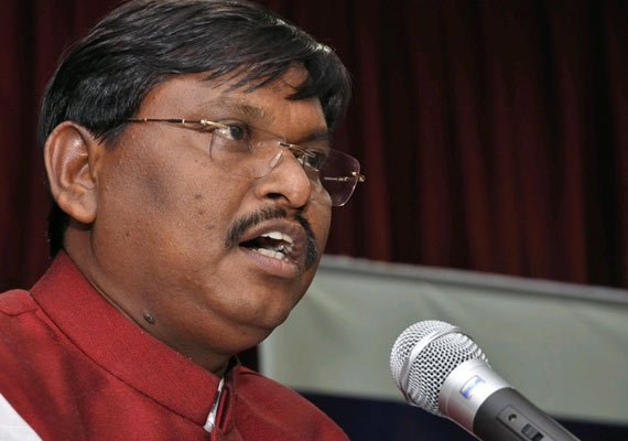 munda accuses congress of running a puppet show in jharkhand
