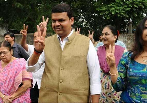 celebrations in nagpur after fadnavis picked for maha cm