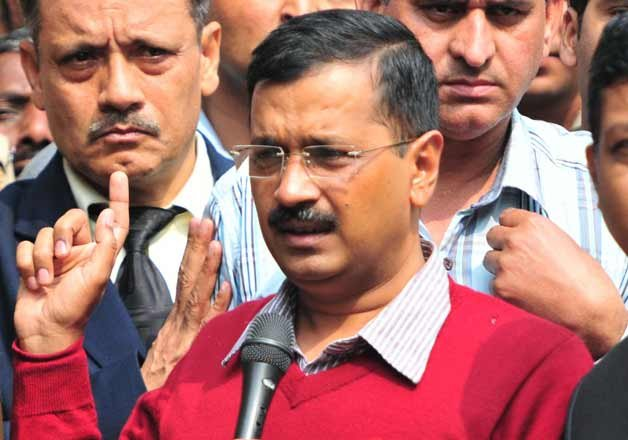aap s rift wide in open veteran leader writes open letter