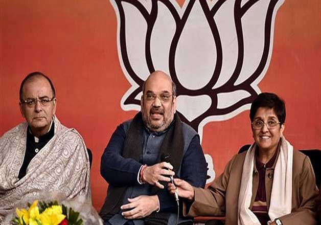 delhi polls fearing aap shah jaitley take direct control of