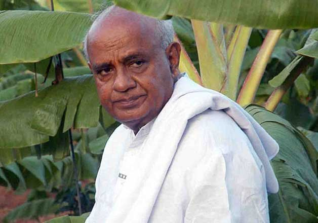 gowda threatens to resign as no one bothered about farmers
