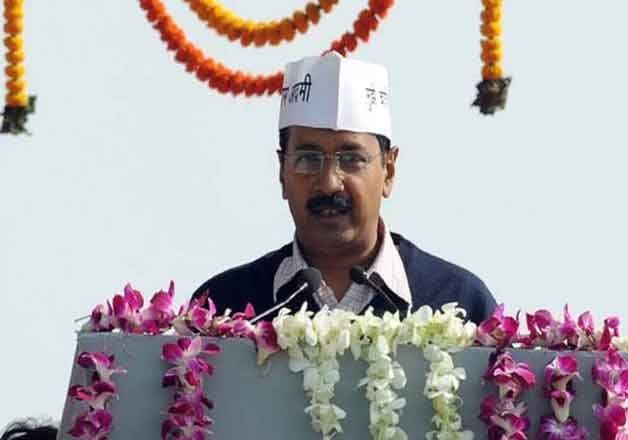 hawkers lower price to celebrate kejriwal s oath taking