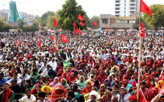 cpi m cpi spar over split in indian communist movement