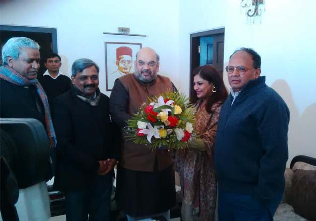 delhi polls shazia ilmi meets amit shah likely to join bjp